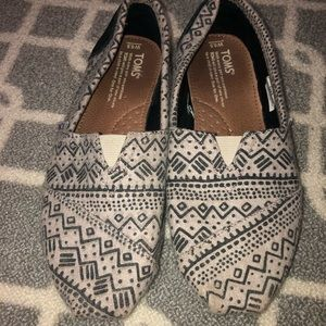 women's patterned toms